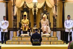 """ราชวงศ์มาเลย์ประชุมเลือก """"กษัตริย์องค์ใหม่"""" หลังการสละราชบังลังก์"""