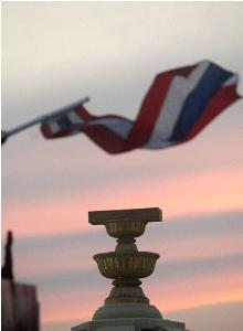 หาแก่นแต่ได้เปลือก : ประชาธิปไตยของไทย