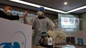 """ควัน """"บุหรี่"""" ก่อฝุ่น PM 2.5 สูงกว่าไอเสียรถ ดูด """"บุหรี่ไฟฟ้า"""" ค่าฝุ่นพิษลมหายใจพุ่ง 15 เท่า"""