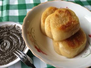 เหนียนเกาข้าวฟ่างแบบทอด ขอบคุณภาพจาก https://www.douguo.com/cookbook/811048.html
