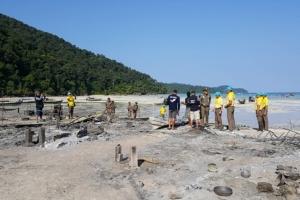 หลายภาคส่วนเร่งช่วยเหลือชาวมอแกนบนเกาะสุรินทร์ จ.พังงา จากเพลิงเผาวอด
