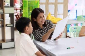 พัฒนาเด็กๆให้ใช้สองภาษาได้อย่างไร