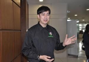 """""""ชัช เตาปูน"""" ขอเป็นนายกฯ นำทีมพลังท้องถิ่นไท ยื่นบัญชีรายชื่อ-เพื่อนไทยยังเก้อต้องแก้ไขใหม่"""
