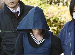 ·<center>ผู้ต้องหาคุริฮาระ นางิสะ คุณแม่ของเด็กหญิงผู้เสียชีวิต</center>