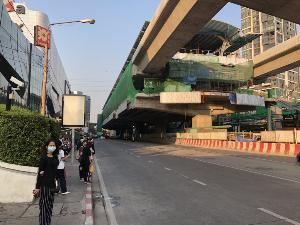 เซ็นทรัลลาดพร้าวเฮ! เปิดใช้งานสะพานข้ามแยกรัชโยธิน ลดปัญหาจราจรหน้าศูนย์การค้า