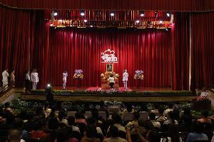 พล.อ.ท.ภักดี แสง-ชูโต ปธ. มอบรางวัลสลากการกุศล อุ่นไอรักฯ - ปชช.ที่ได้รับรางวัลต่างซาบซึ้งในพระมหากรุณาธิคุณอย่างหาที่สุดมิได้