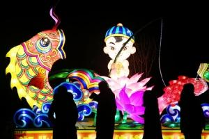 (ชมภาพ) ประดับโคมไฟทั่วจีน รอรับแสงจันทร์แรกแห่งปี เริ่มชีวิตใหม่สว่างไสว
