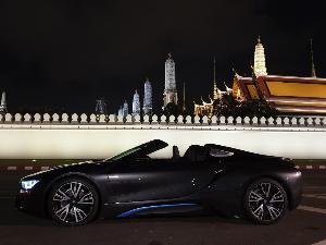 BMW i8 Roadster สปอร์ต แรง รักษ์โลก ตัวจริง
