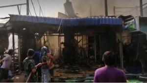 ไฟไหม้ตลาดสดชันสูตร จ.สิงห์บุรี เสียหายหลายหลังคาเรือน ยังควบคุมเพลิงไม่ได้