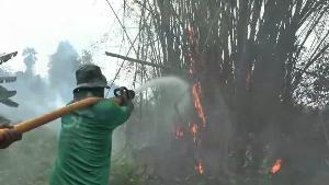 ระทึก! ไฟไหม้ไร่อ้อยหนองขาหย่าง ลามหวิดวอดยกหมู่บ้าน