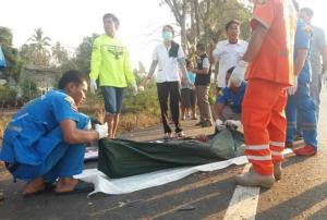 สลด! รถเก๋งทนายความ 3 คนเสียหลักตกถนนพุ่งชนต้นไม้พังยับ ตาย 2 เจ็บ 1 ที่เมืองช้าง