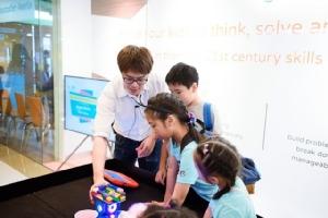 """สร้าง  """"เด็กไทย""""  สู่โลกอนาคต! """"Coding"""" ทักษะอัจฉริยะแห่งศตวรรษที่ 21"""