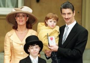 ครอบครัวเก่าของ เอียน รัช ที่มีลูกด้วยกัน 2 คน