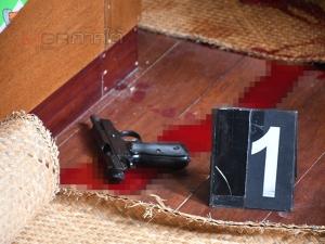 สลด! ส.ต.ท.เครียดถูกพักราชการใช้อาวุธปืนประจำกายยิงตัวเองดับคาบ้านที่พัทลุง