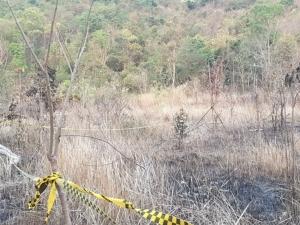 สยอง! หนุ่ม รง.ล่อไก่ป่าเจอหัวระเบิดในสนามฝึกทหาร โยนโชว์ไลฟ์สดตูมสนั่นดับคาที่(ชมคลิป)