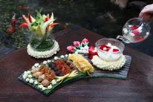 """ชื่นใจคลายร้อนกับ """"ข้าวแช่"""" ตำรับไทยโบราณ ที่ รร.อนันตรา สยาม กรุงเทพ"""