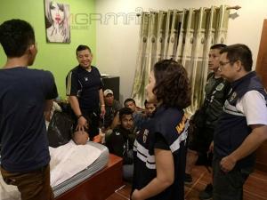 ไม่ถึงฝัน! ตม.สงขลาบุกจับแรงงานเถื่อนชาวพม่า 10 คน คารีสอร์ต