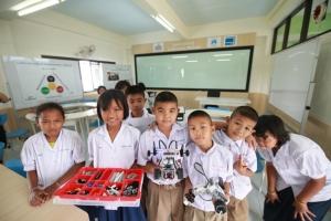 'มิตรผล' หนุนปลดล็อคการศึกษา เดินหน้าต้นแบบโรงเรียนร่วมพัฒนา เสริมทักษะชีวิต สร้างเยาวชนแห่งศตวรรษที่ 21