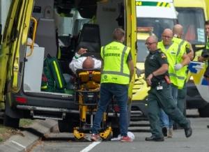 In Clips : ด่วน!! เกิดเหตุกราดยิงมัสยิด 2  แห่งในไครสต์เชิร์ช พบระเบิด IED ผูกติดรถไม่ต่ำกว่า 1 คัน คนร้ายไลฟ์สตรีมระหว่างยิง จับแล้ว 4