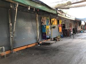 """""""ตลาดโรงเกลือ"""" ซบเซาหนัก ร้านค้าทยอยปิดตัว ส่อแววอาจเป็นแค่ตำนาน"""