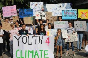 นร.ทั่วโลกพร้อมใจหยุดเรียนเรียกร้องให้สนใจภาวะโลกร้อน เด็กไทยร่วมด้วย