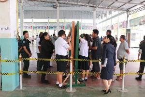 """""""ป๋าลอ"""" ออกบ้านใช้สิทธิเลือกตั้งล่วงหน้า บอกเป็นคนไทยยังไม่ตายต้องใช้สิทธิทุกครั้ง"""