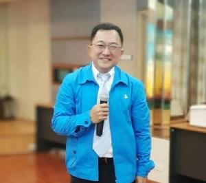 นายบุญยอด สุขถิ่นไทย ผู้สมัครรับเลือกตั้ง ส.ส.ระบบบัญชีรายชื่อพรรคประชาธิปัตย์