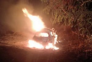 สยองย่างสดยกคัน! สาวห้างฯ ดังชัยภูมิซิ่งเก๋งพุ่งอัดท้ายรถบรรทุกไฟลุกท่วม ดับคาซาก 3 ศพ(ชมคลิป)