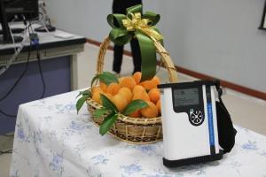 """เจ๋ง! นักวิจัย ม.นเรศวรทำเครื่องวัดความหวาน """"มะปราง-มะยงชิด"""" หนุนส่งออกผลไม้ไทย"""