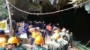 """ซีล ทร.ลา """"จ่าแซม-ถ้ำหลวง"""" หลังเก็บกู้อุปกรณ์ช่วย 13 หมูป่าฯ เสร็จ ปภ.นัดพลเรือนรับช่วงต่อ 26 มีนาฯ นี้"""