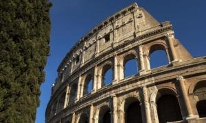 นักท่องเที่ยวชาวจีนไม่เบื่อหน่ายกับกรุงโรม, เวนิส, ฟลอเรนซ์ –และการไปช็อปปิ้งที่มิลาน