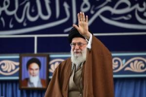 """ผู้นำสูงสุดอิหร่านชี้ """"เศรษฐกิจ"""" เป็นปัญหาเร่งด่วนที่สุดตอนนี้"""