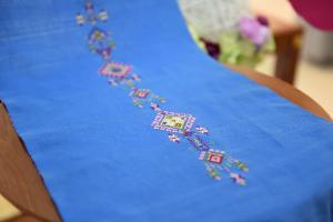 ผ้าจกโบราณ  เอกลักษณ์ไทพวน  ถูกปรับโฉม ภายใต้แบรนด์ Suntree