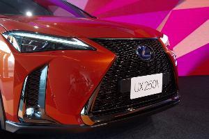 Lexus UX250h คอมแพกต์ ครอสโอเวอร์ ไฮบริด ราคาเริ่มต้น 2.49 ล้านบาท