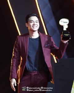 """ส่องรางวัล """"MThai Top Talk-About 2019"""" คนบันเทิงร่วมงานคับคั่ง"""