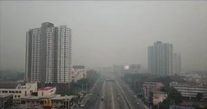 เชียงใหม่ยิ่งวิกฤตหนัก!หมอกควันพิษหนาทึบคลุมเมือง-เหม็นไหม้แรงถึงในบ้าน(ชมคลิป)