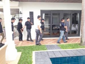 ชุดเฉพาะกิจกรมการปกครอง บุกจับต่างชาติเปิดโรงแรมเถื่อนบนเกาะสมุย