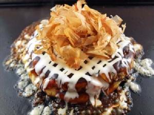 ร้าน Okonomiyaki  พิซซ่าญี่ปุ่นแค่มองก็อยากกิน