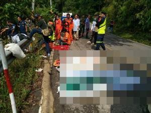 เศร้าสลด! คนงานชลประทานพบพระบึ่งรถฝ่าสายฝนตกเหวลึกดับคาที่ 4 ศพ สาหัสอีก 1