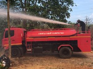 ไฟไหม้ทุ่งหญ้า-ป่าพรุจะนะอย่างหนัก ควันไฟหนาทึบหวิดลามถึงโรงงาน และบ้านเช่า