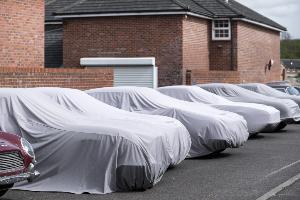 พาชมห้องลับ Aston Martin Works หน่วยฟื้นคืนชีพรถ