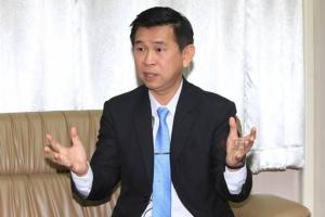 """กัญชาทางการแพทย์ก้าวแรกของไทย..เปิดใจ """"นพ.วิฑูรย์ ด่านวิบูลย์"""""""