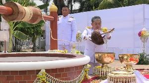 ประชาชนชาวน่านถือเป็นมงคลร่วมพิธีตักน้ำศักดิ์สิทธิ์บ่อน้ำทิพย์วัดสวนตาล