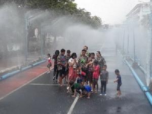 นครอุบลพร้อมเปิดถนนดอกไม้ฯ สาดน้ำสงกรานต์ปลอดภัย