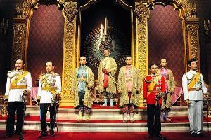 พระบรมรูป ๘ บูรพกษัตริย์ในปราสาทพระเทพบิดร