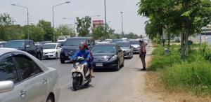 ชื่นชมตำรวจเมืองนครปฐม ระบายรถลงภาคใต้คล่องตัวรวดเร็วโดยโซเชียลช่วย