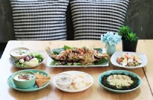 หลากหลายอาหารไทยชวนกิน