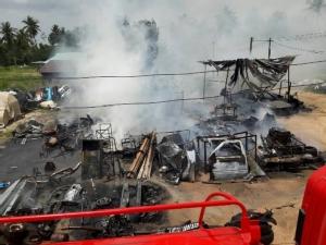 ไหม้วอดอู่ซ่อมรถใน อ.บางละมุง จ.ชลบุรี เหตุจากปลั๊กไฟตู้เชื่อมชำรุด คาดเสียหายเกินครึ่งล้าน