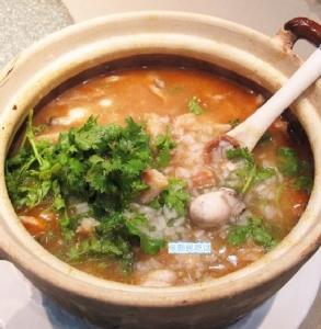 ข้าวต้มหอยนางรม ขอบคุณภาพจาก https://kknews.cc/zh-cn/food/x8qbx8.html
