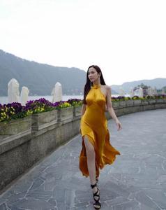 """โหยย! ต้องสวยขนาดนี้? เมื่อ """"อั้ม พัชราภา"""" เฉิดฉายดุจนางพญายืนหนึ่งเที่ยวอิตาลี"""